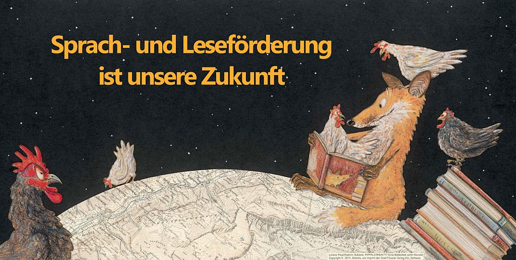 Ein Fuchs liest in einem Buch und sitzt auf einer angedeuteten Weltkugel. Darum herum sitzen Hühner und ein Hahn.