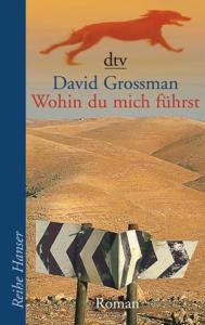 Titelseite des Buchs. Wüste im Hintergrund. ein verbogenes Straßenschild im Vordergrund.